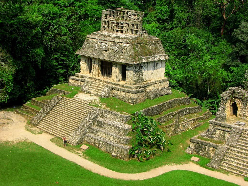 Паленке - руїни стародавнього міста і пірамід майя